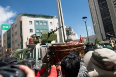 La Paz, Bolivia. 21st Nov 2019. Protesters deposited a coffin on an APC guarding the access to the main square of La Paz. The coffin contained the remains of a person shot in the aftermath of a combined Police/ Army operation that left at least 9 dead and 30 injured. Radoslaw Czajkowski/ Alamy Live News