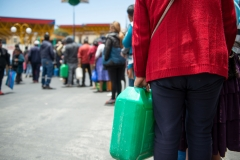 La Paz, Bolivia. 19th Nov 2019. Thousands car owners formed long lines all over La Paz after it was announced that a combined Police/ Army force would escort trucks with gasoline to La Paz. Supporters of Evo Morales have been blocking the roads to La Paz for several days, leading to a shortage of gasoline and many fresh products like meat, vegetables, fruits and eggs. At least nine dead protesters and 30 injured were reported after heavy clashes between the combined force and the protesters on that day. Radoslaw Czajkowski/ Alamy Live News