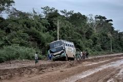 Bolivia - Beni - road - bus 33