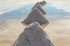 Bolivia - Salar de Uyuni - salt lake - salt pyramide 6