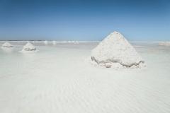 Bolivia - Salar de Uyuni - salt lake - salt pyramide 5