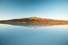 Bolivia - Salar de Uyuni - salt lake - reflection - Thunupa 19