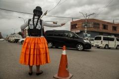 Bolivia - El Alto - city watch - cholita 11